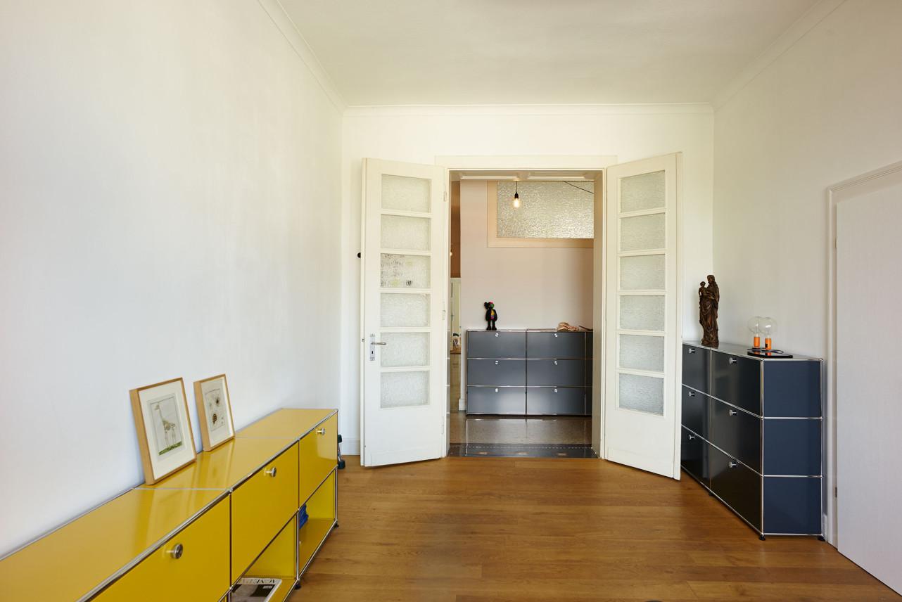 jan van de weyer und louisa rachedi personalities by usm. Black Bedroom Furniture Sets. Home Design Ideas